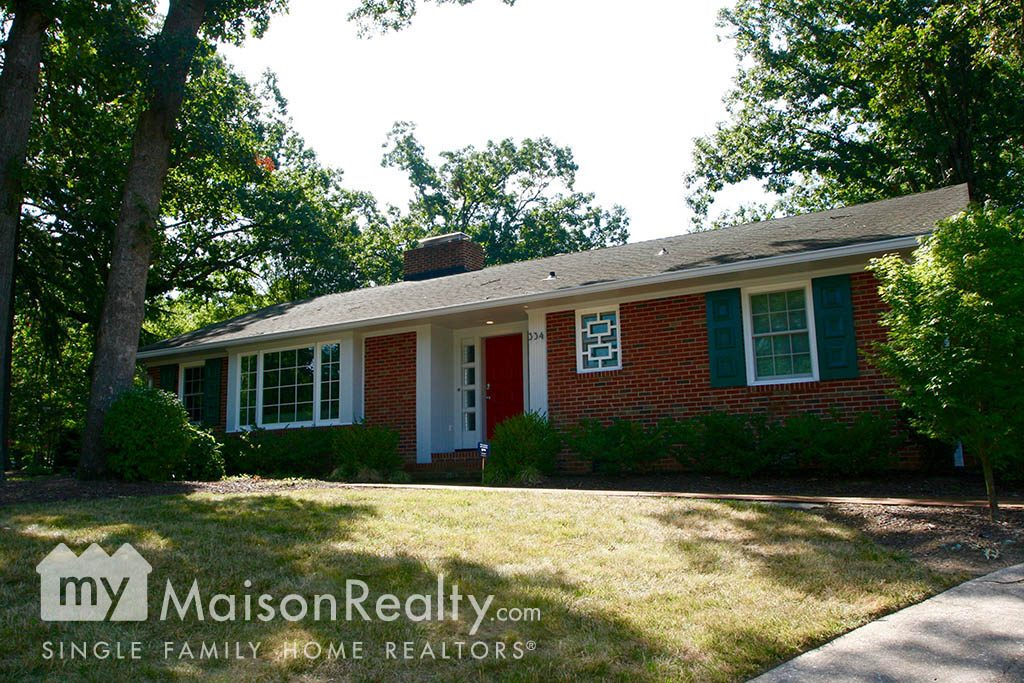 Cotswold Red Brick Ranch Home