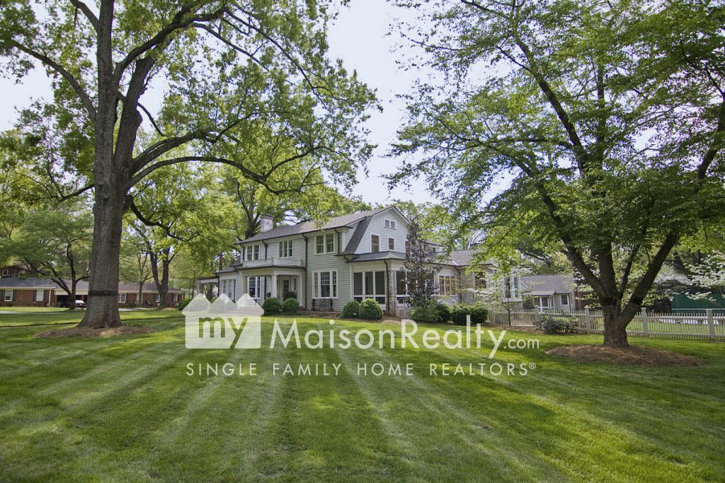 Beautiful Traditional home in Myers Park