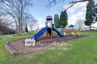 Playground in Anita Shroud Park Brightwalk